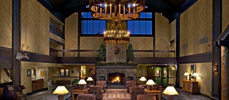 lobby-1367x600